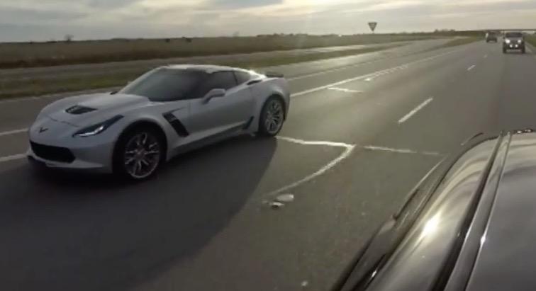 Challenger-Hellcat-vs-Corvette-Z06