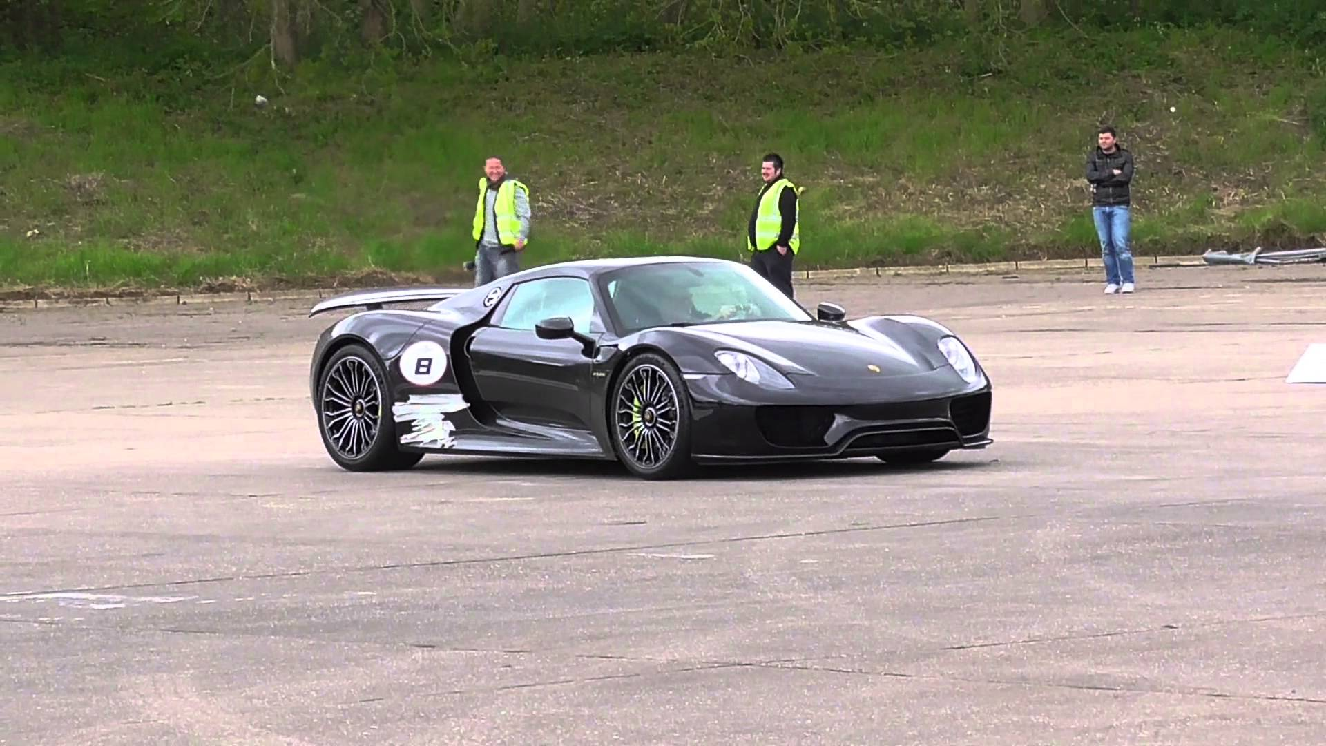 Porsche 918 Launch Control and Drag Racing