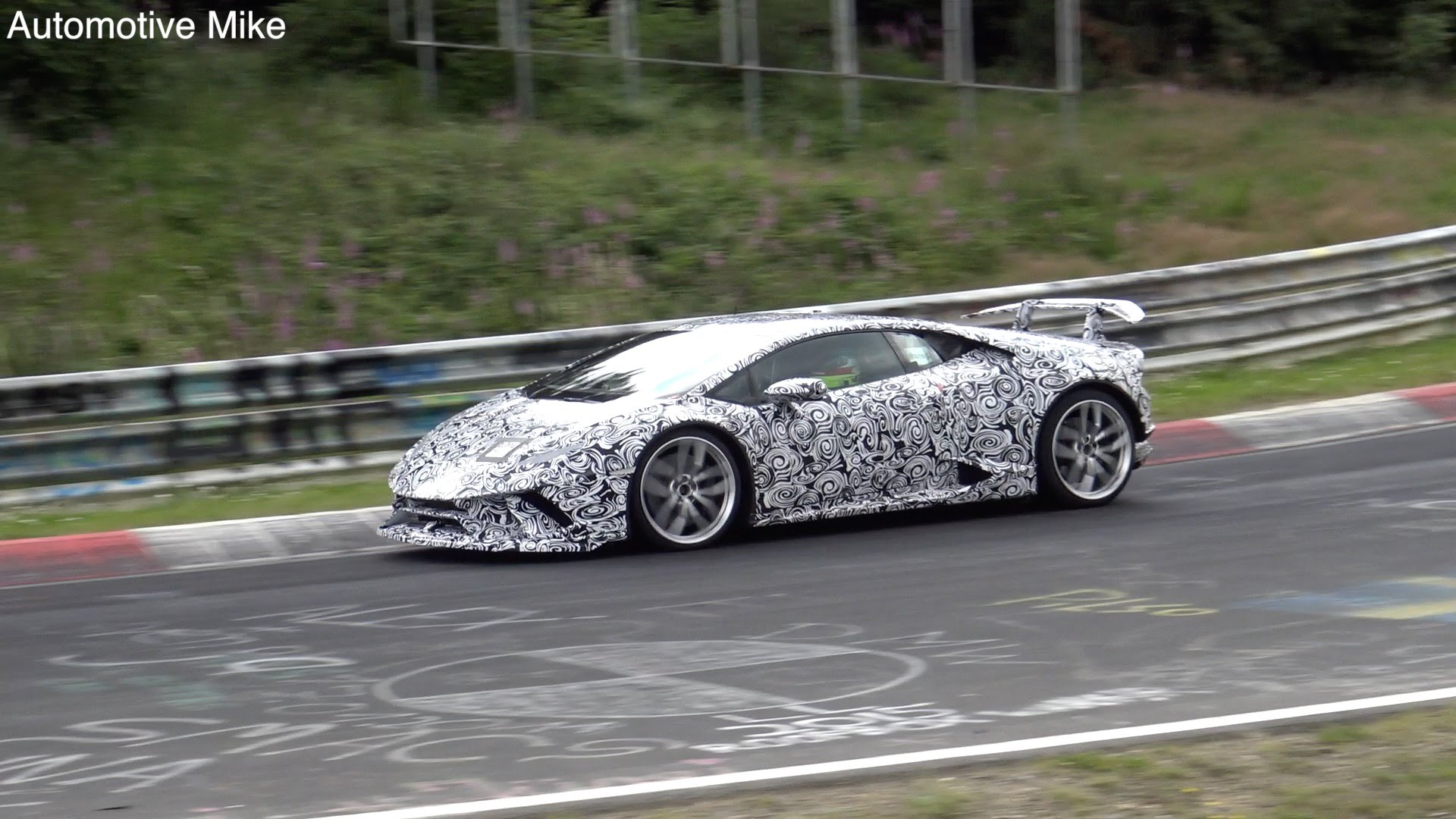 First Glimpse - 2018 Lamborghini Huracan Superlegerra