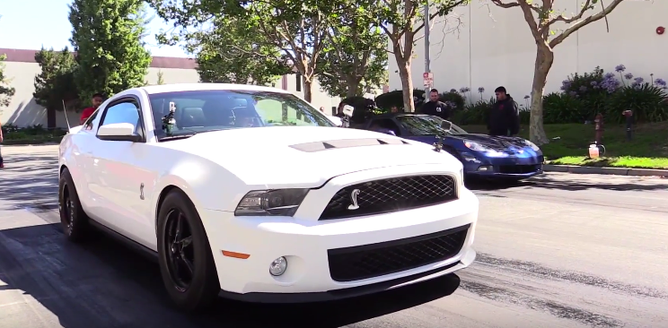 Street Race - Corvette vs. Shelby GT500 01