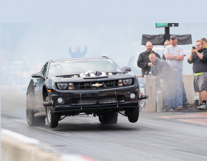 twin-turbo-7-liter-camaro-wins-2016-hot-rod-drag-week-01
