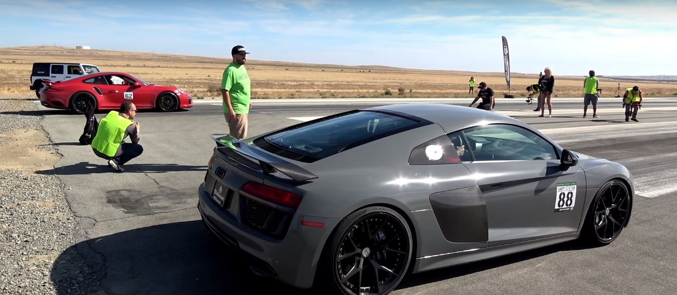 half-mile-dig-racing-audi-r8-vs-porsche-991-01