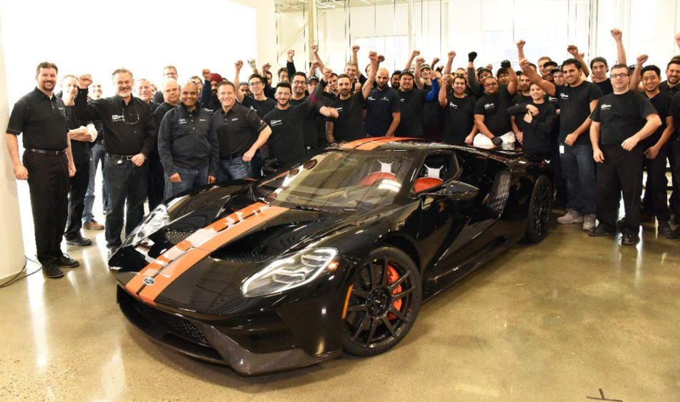 The First Production  Ford Gt Rolled Off The Line Today During A Live Facebook Webcast From The Factory In Canada The All New Ford Gt Was Painted In