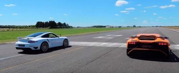 Drag Race – Aventador SV vs. 911 Turbo S