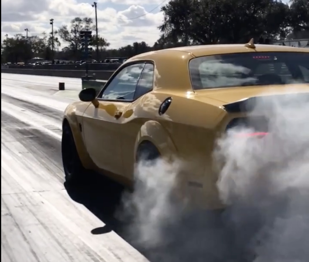 Dodge Challenger SRT Demon 1/4 Mile run at Orlando Speed World