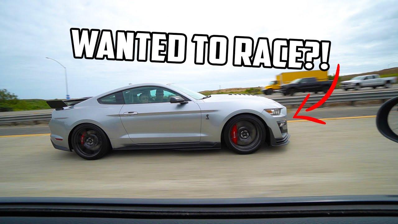 2020 Mustang GT500 vs Challenger SRT HEMI – Street Hits