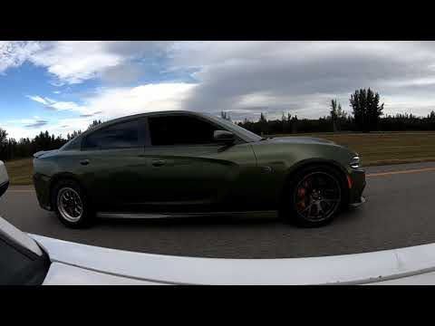 Turbo Mustang 5.0 vs. Charger Hellcat – Daytime Street Hits