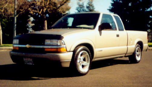 2001 Chevrolet S10 Pickup LS