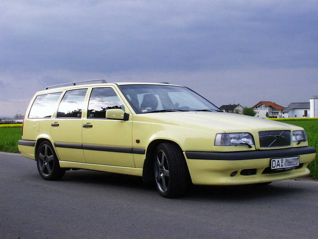 1995 Volvo 850 T-5R wagon 1/4 mile trap speeds 0-60 - DragTimes.com