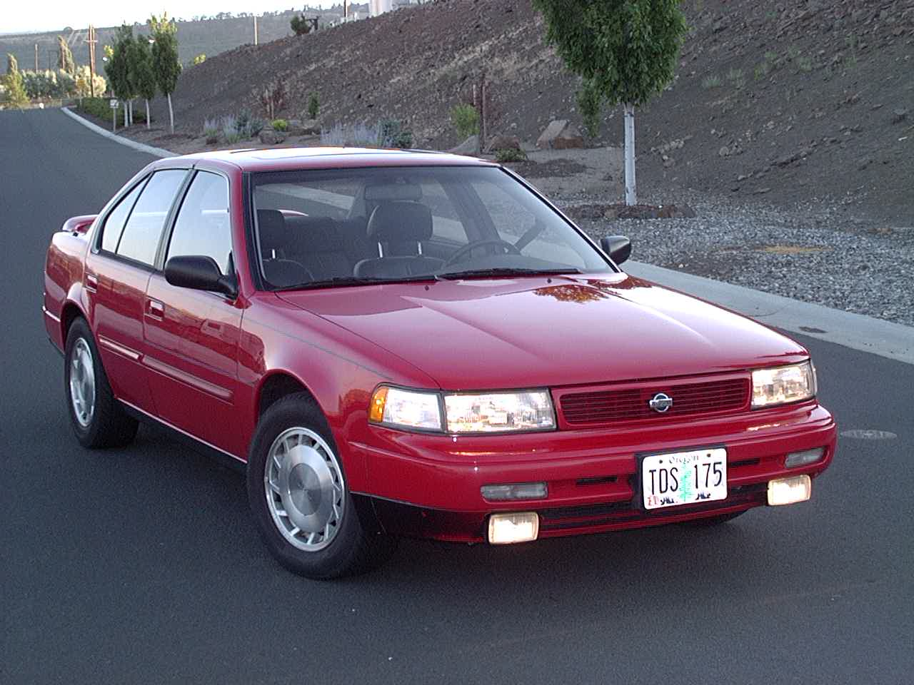 1992  Nissan Maxima SE picture, mods, upgrades