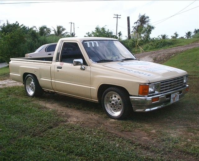 1988  Toyota Pickup Hilux picture, mods, upgrades