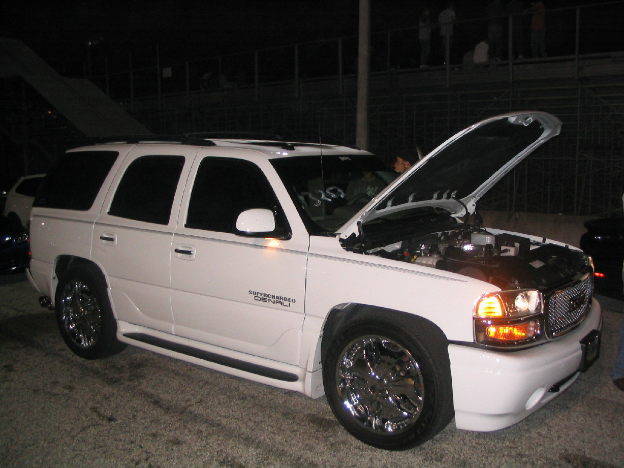 2004  GMC Yukon Denali Magna Supercharged picture, mods, upgrades