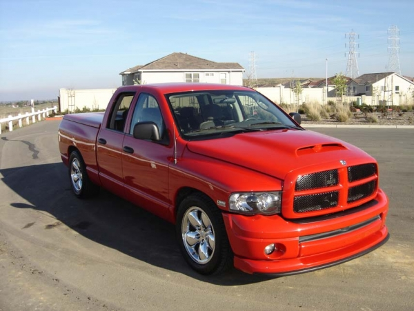 2004 Dodge Ram 1500 SLT QuadCab 1/4 mile Drag Racing trap speed 0-60