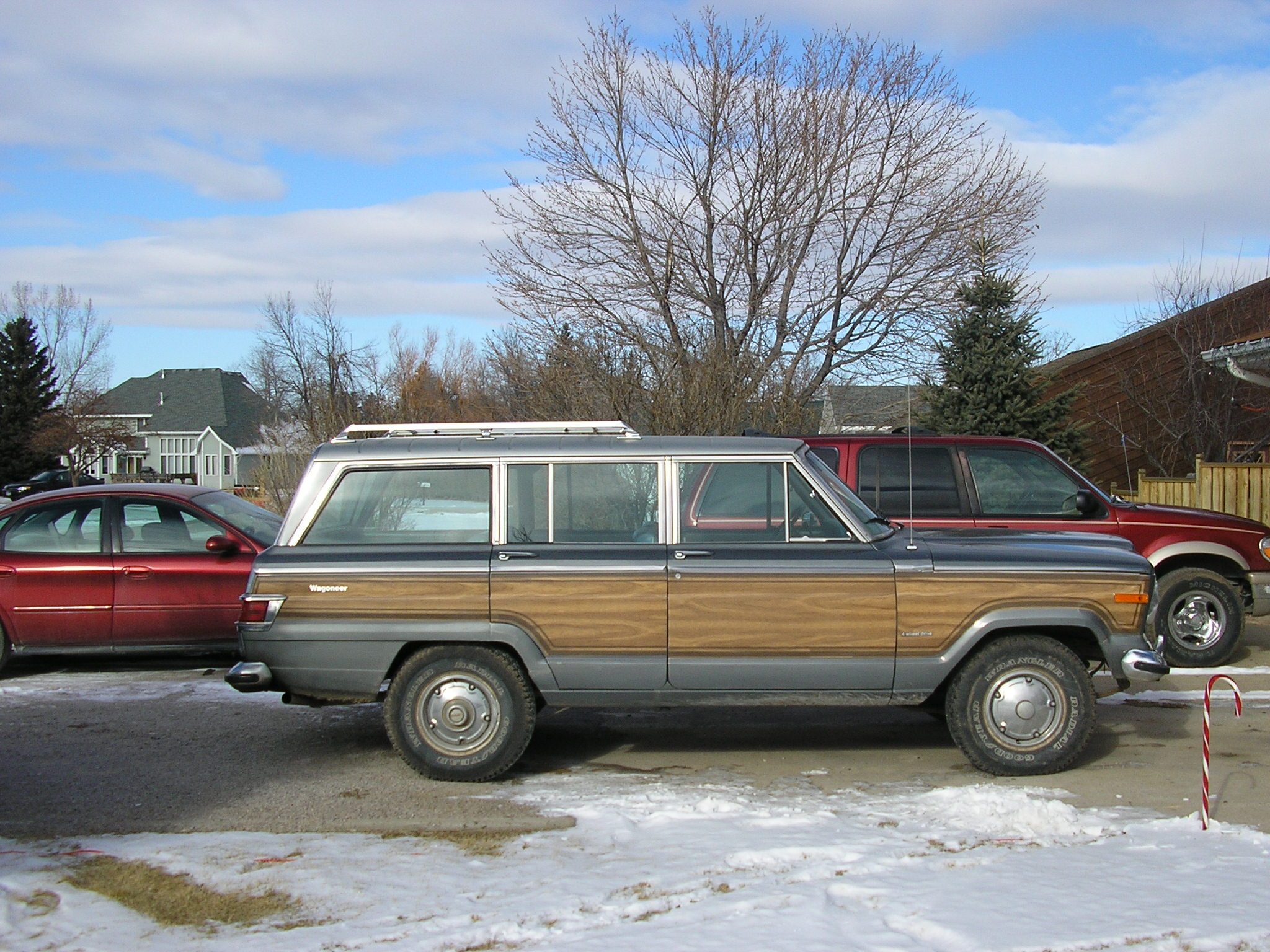 1975 Jeep Wagoneer Base