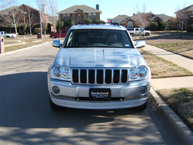 2006  Jeep Grand Cherokee Overland 5.7 Hemi picture, mods, upgrades