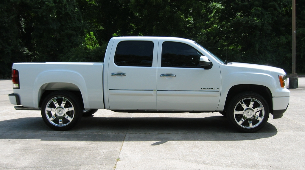 2007  GMC Sierra 2wd Denali picture, mods, upgrades
