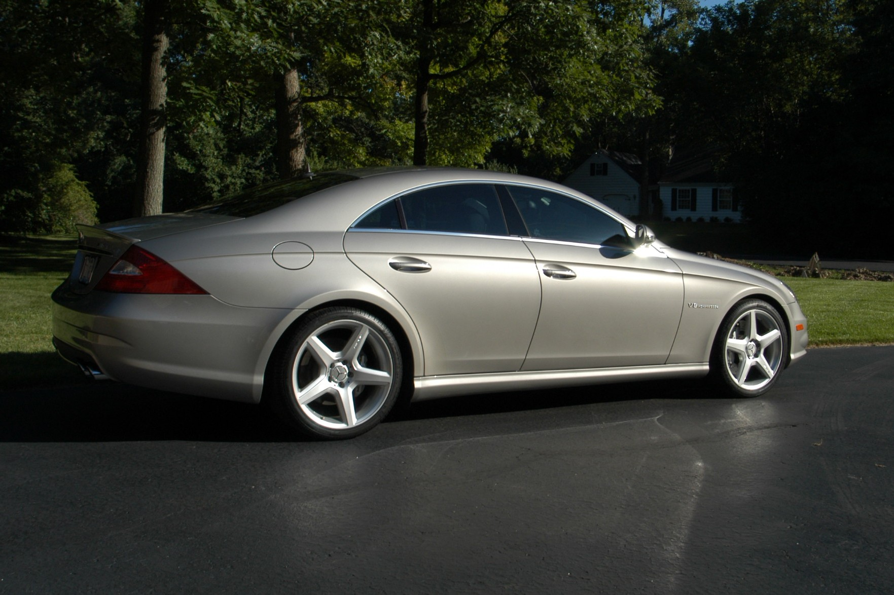 Stock 2006 mercedes benz cls55 amg 1 4 mile drag racing for 2006 mercedes benz cls55 amg