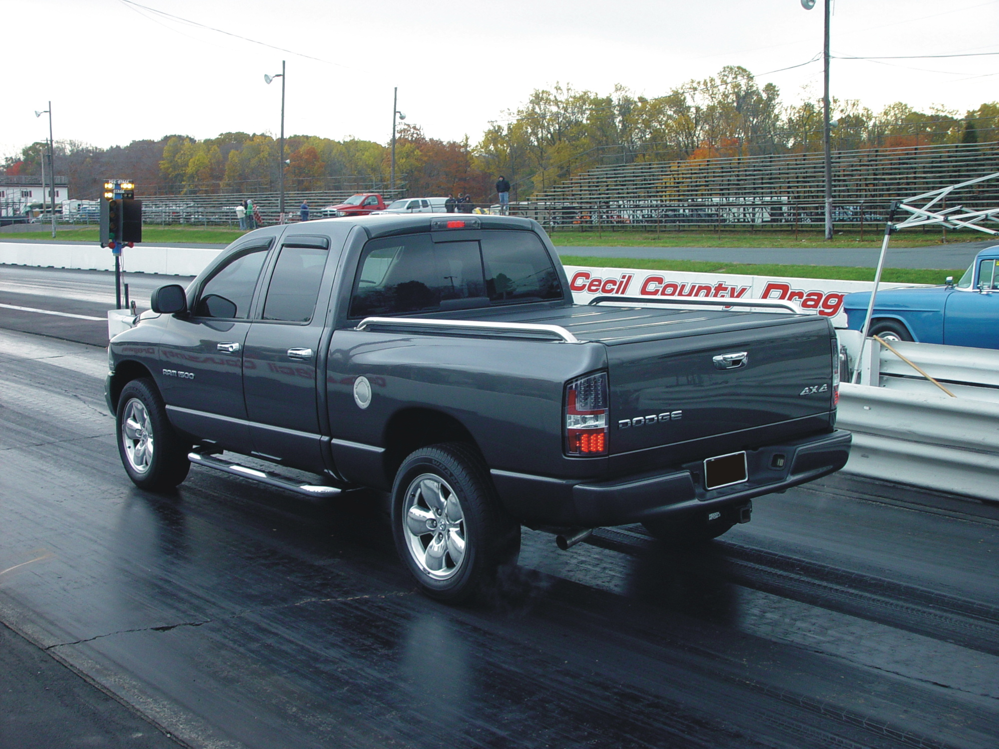 Dodge Ram 1500 4x4 Quad Cab HEMI 1/4 mile Drag Racing timeslip specs