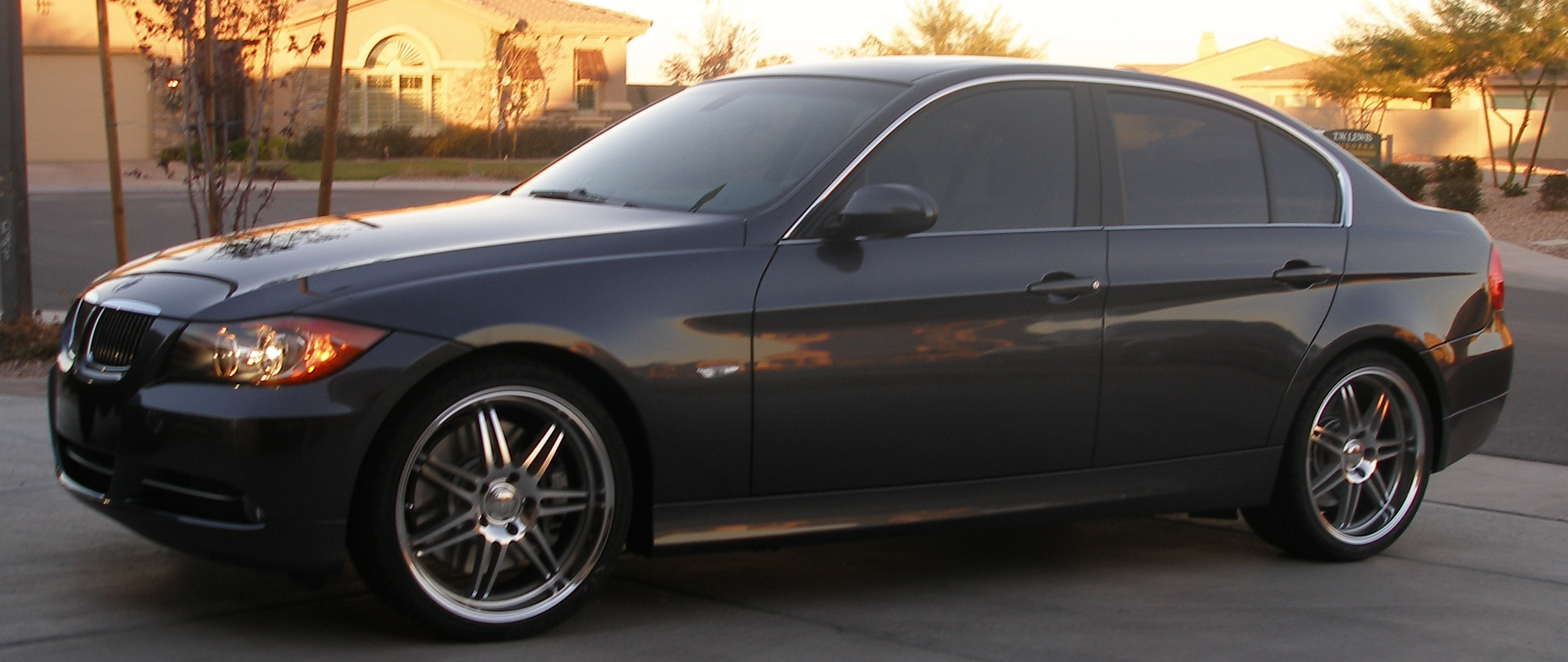 2008  BMW 335i e90 4 Door Steptronic SSTT picture, mods, upgrades