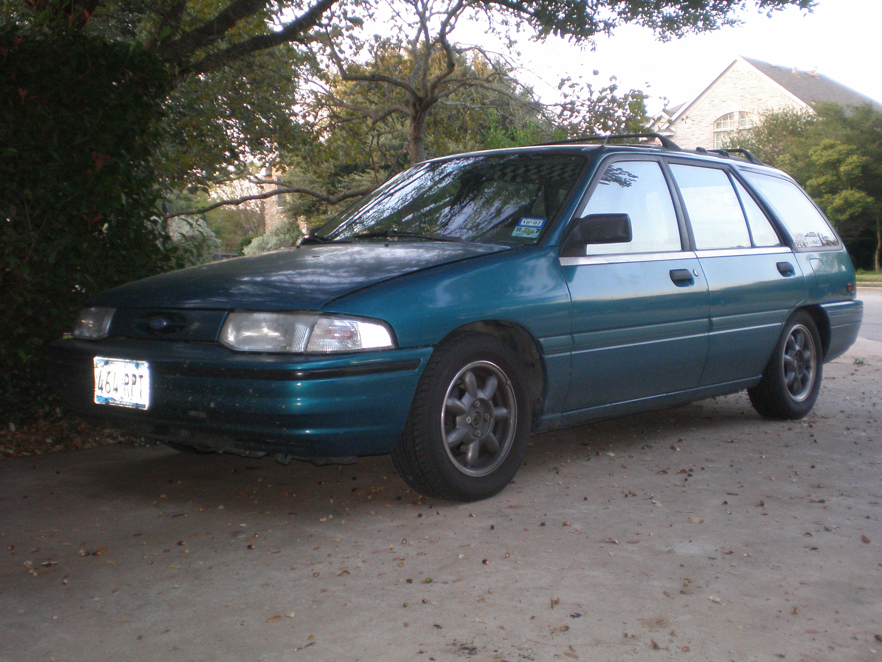1993  Ford Escort Wagon picture, mods, upgrades
