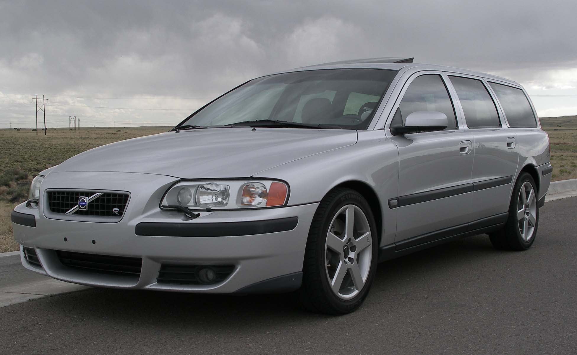 2004  Volvo V70 R AWD picture, mods, upgrades