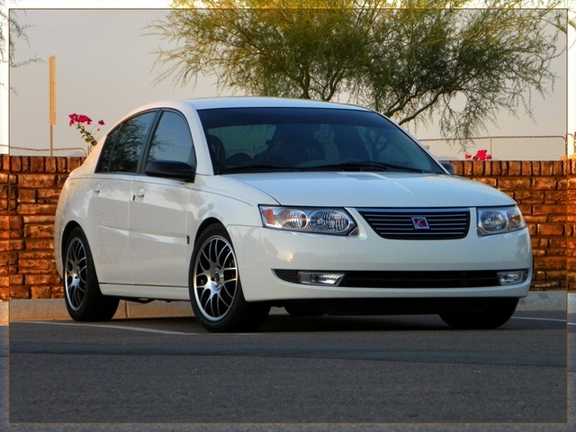 White 2007 Saturn ION 2.4L automatic (white)