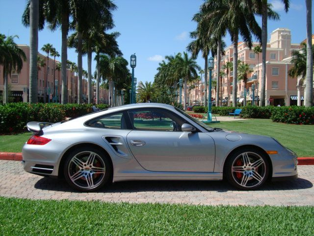 Stock 2008 Porsche 911 Turbo 1/4 mile Drag Racing trap speed 0-60