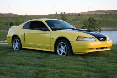 2000 Ford Mustang GT 1/4 mile Drag Racing timeslip specs 0-60
