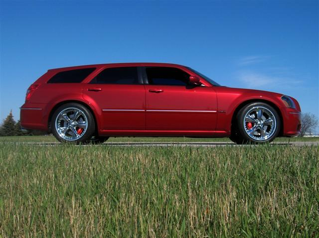 2006  Dodge Magnum SRT8 picture, mods, upgrades