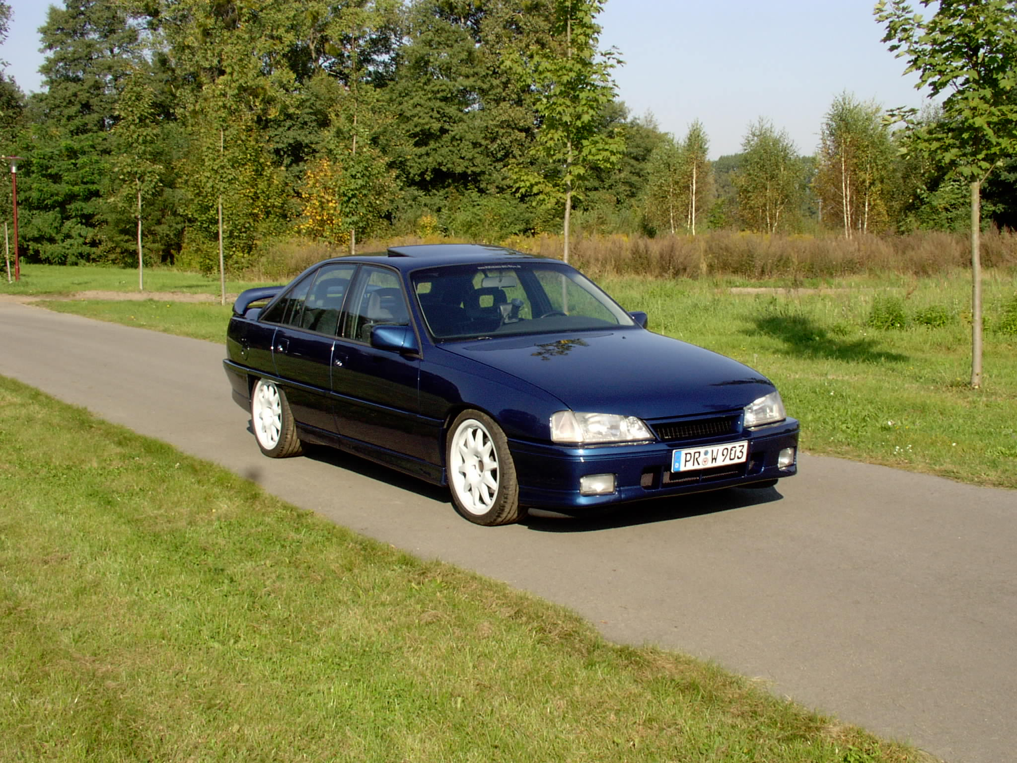 1992  Opel Omega Omega 3000 24V picture, mods, upgrades