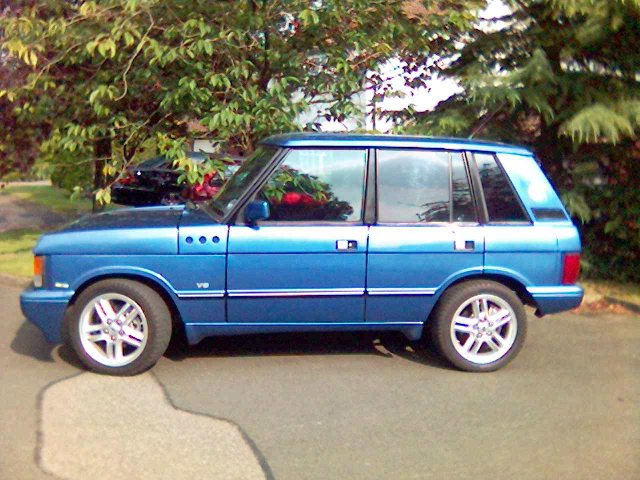 1977 Montecarlo blue Land Rover Range Rover 4.6 bobtail picture, mods, upgrades