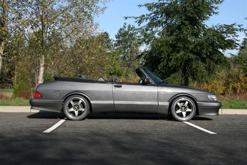 You can vote for this Saab 900 Turbo Convertible to be the featured car of
