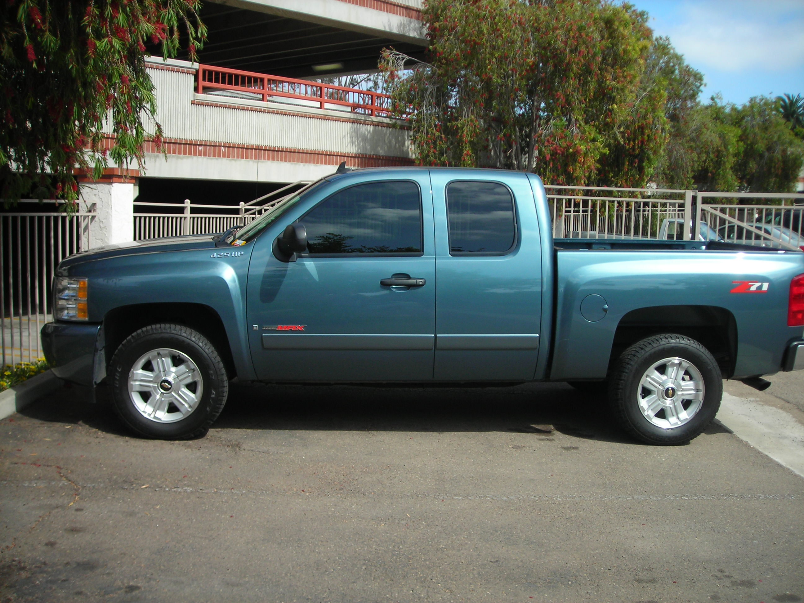 2008  Chevrolet CK1500 Truck LT picture, mods, upgrades