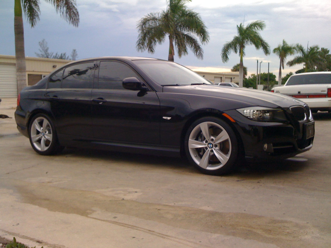 2009  BMW 335i Sedan picture, mods, upgrades