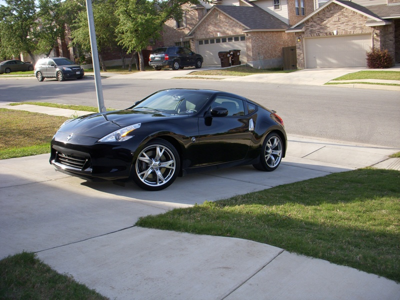 2009  Nissan 370Z 7AT Sport Touring picture, mods, upgrades