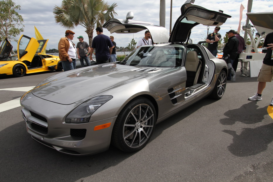 stock 2011 mercedes benz sls amg 1 4 mile drag racing. Black Bedroom Furniture Sets. Home Design Ideas
