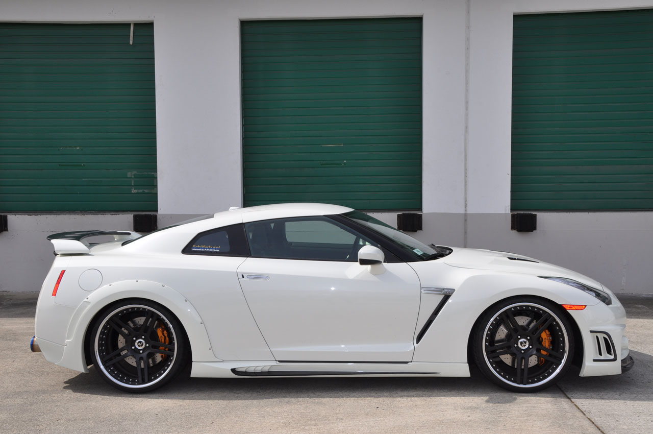 2009  Nissan GT-R Premium picture, mods, upgrades