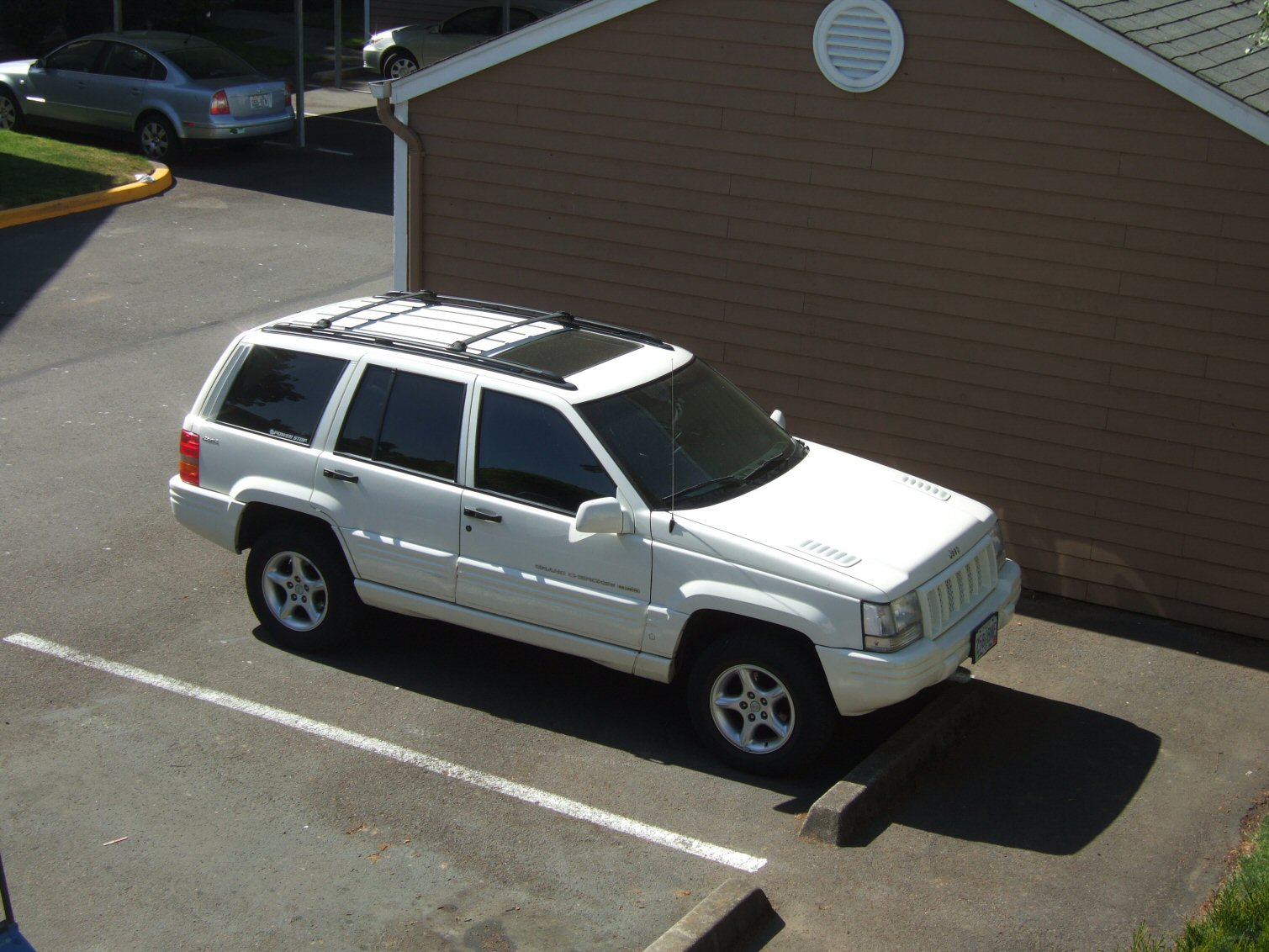 1998  Jeep Grand Cherokee 5.9 Liter picture, mods, upgrades