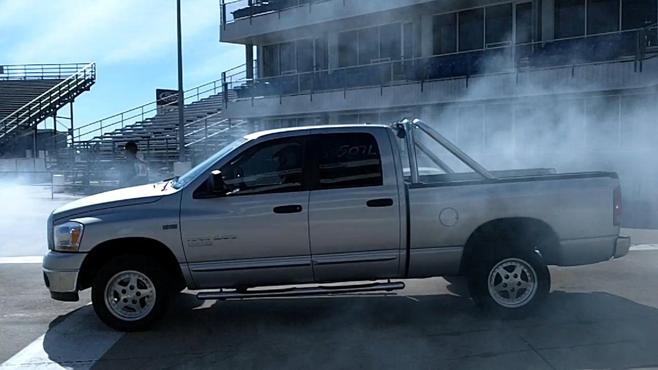 2006 Dodge Ram 1500 QC SLT 2wd 14 mile Drag Racing timeslip specs