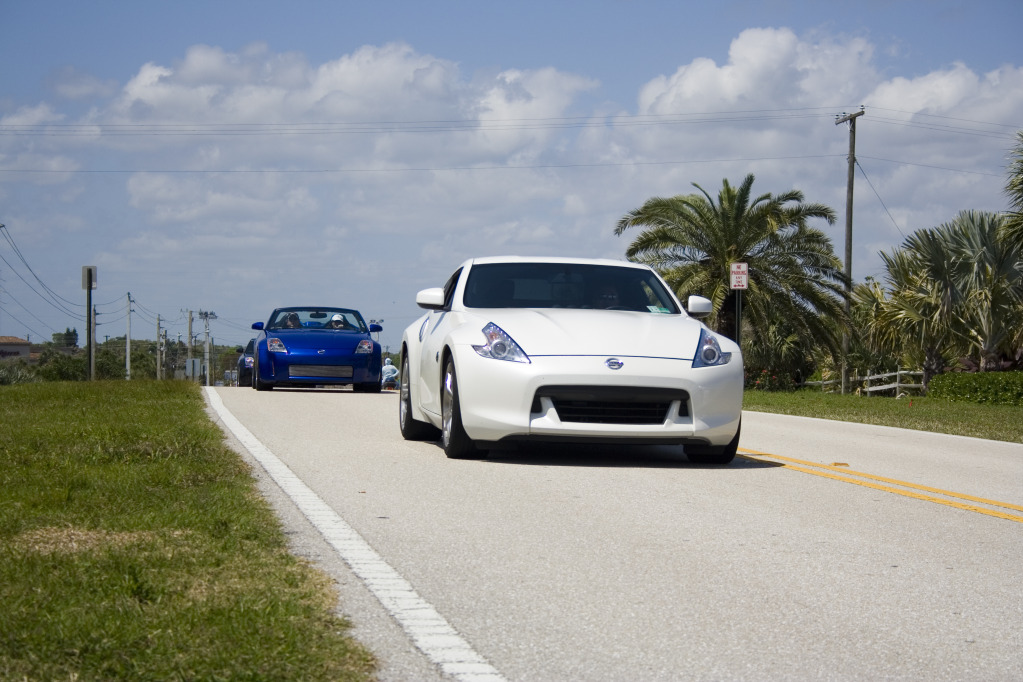 2009  Nissan 370Z Base w/ Sport Package 6MT picture, mods, upgrades