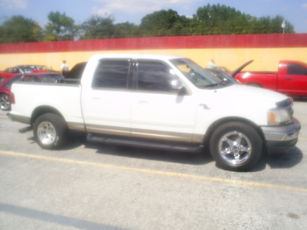 2001  Ford F150 XLT Supercrew 2wd picture, mods, upgrades