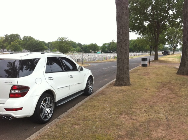 2009  Mercedes-Benz ML63 AMG  picture, mods, upgrades