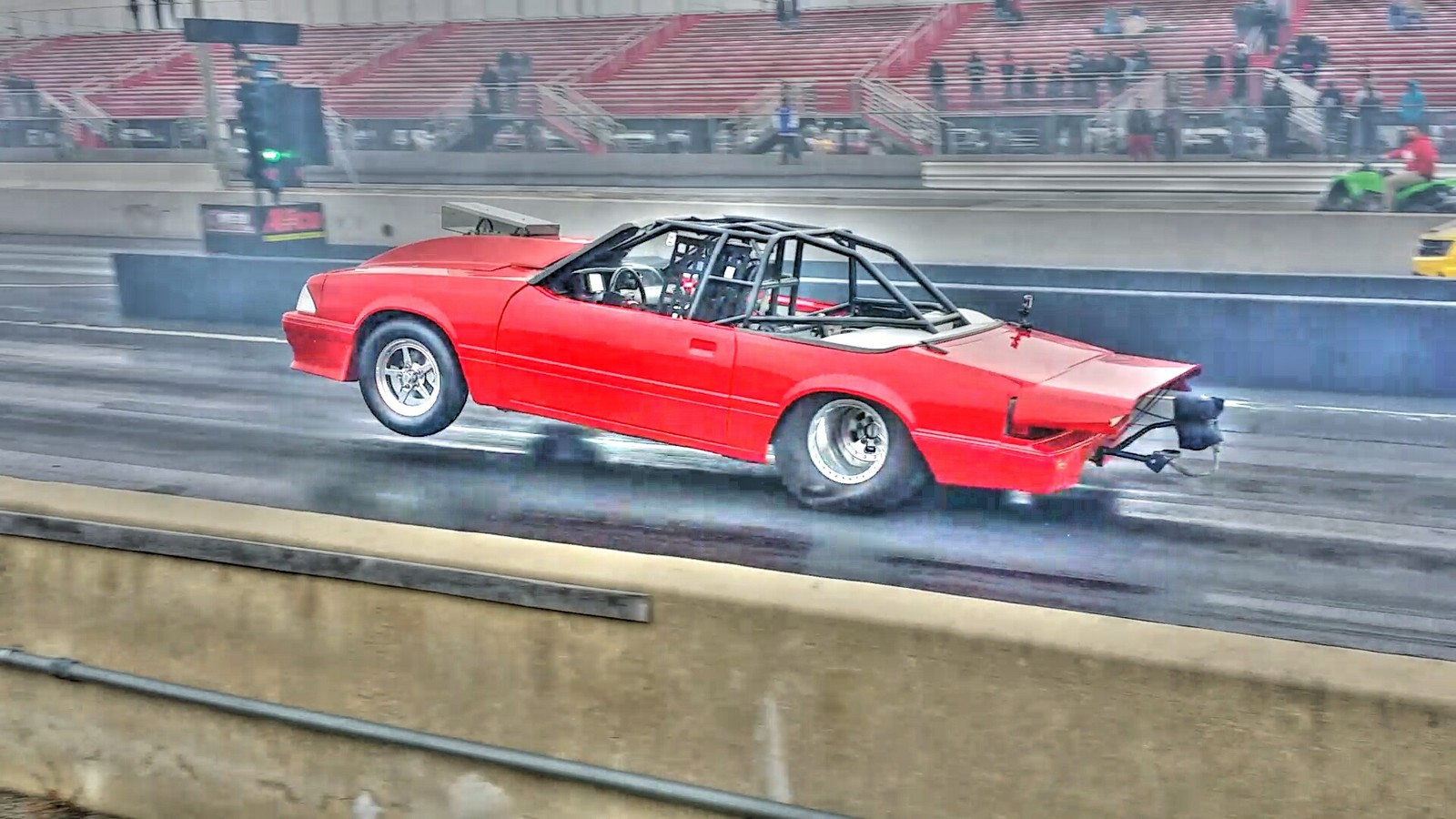 Ford Mustang lx runs 7.850 @ 174.000 MPH in the 1/4 mile