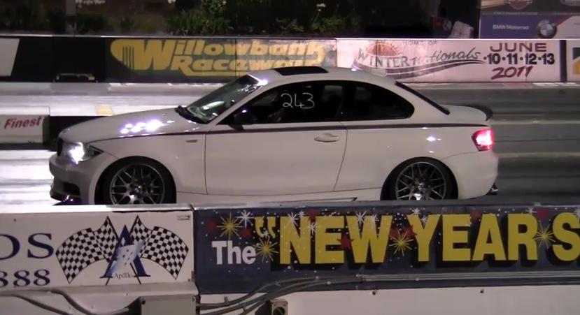 2009 BMW 135i 1 4 mile trap speeds 0 60 DragTimes