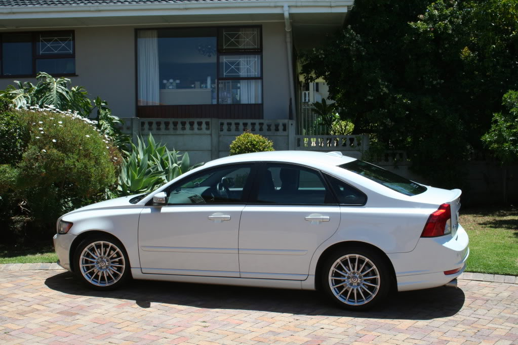 2008  Volvo S40 T5 Auto picture, mods, upgrades