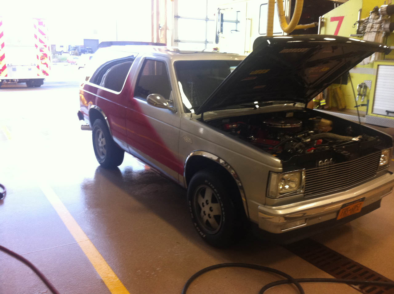 1985 Silver/ Red Chevrolet S10 Blazer Custom picture, mods, upgrades