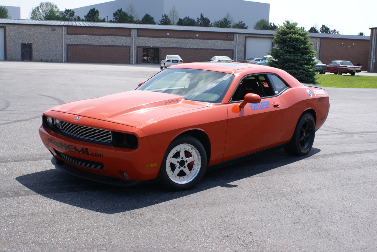 2008 dodge challenger srt8 1 4 mile drag racing timeslip specs 0 60. Black Bedroom Furniture Sets. Home Design Ideas
