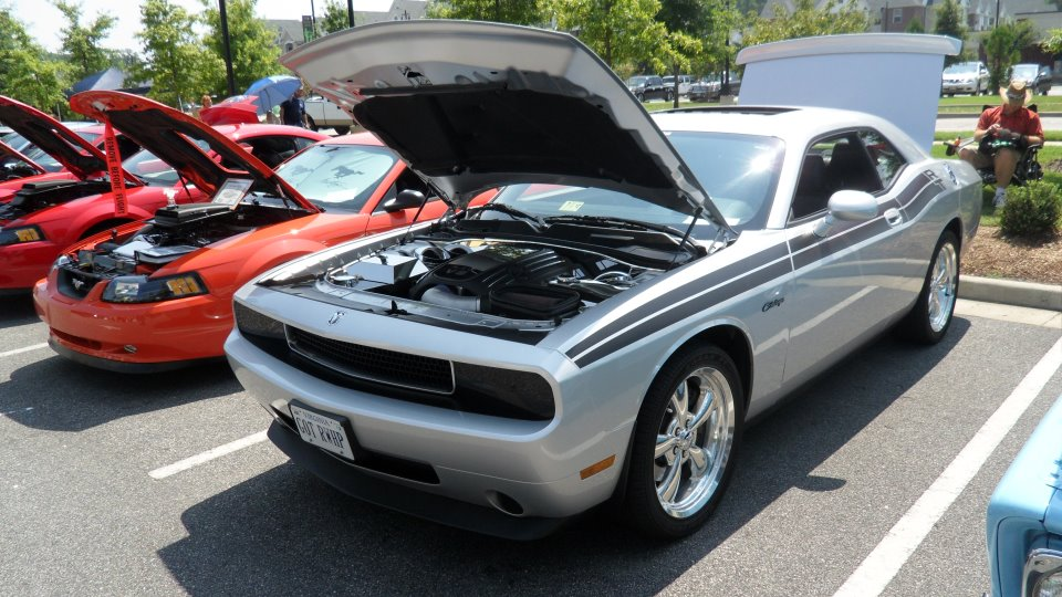 2010  Dodge Challenger R/T picture, mods, upgrades