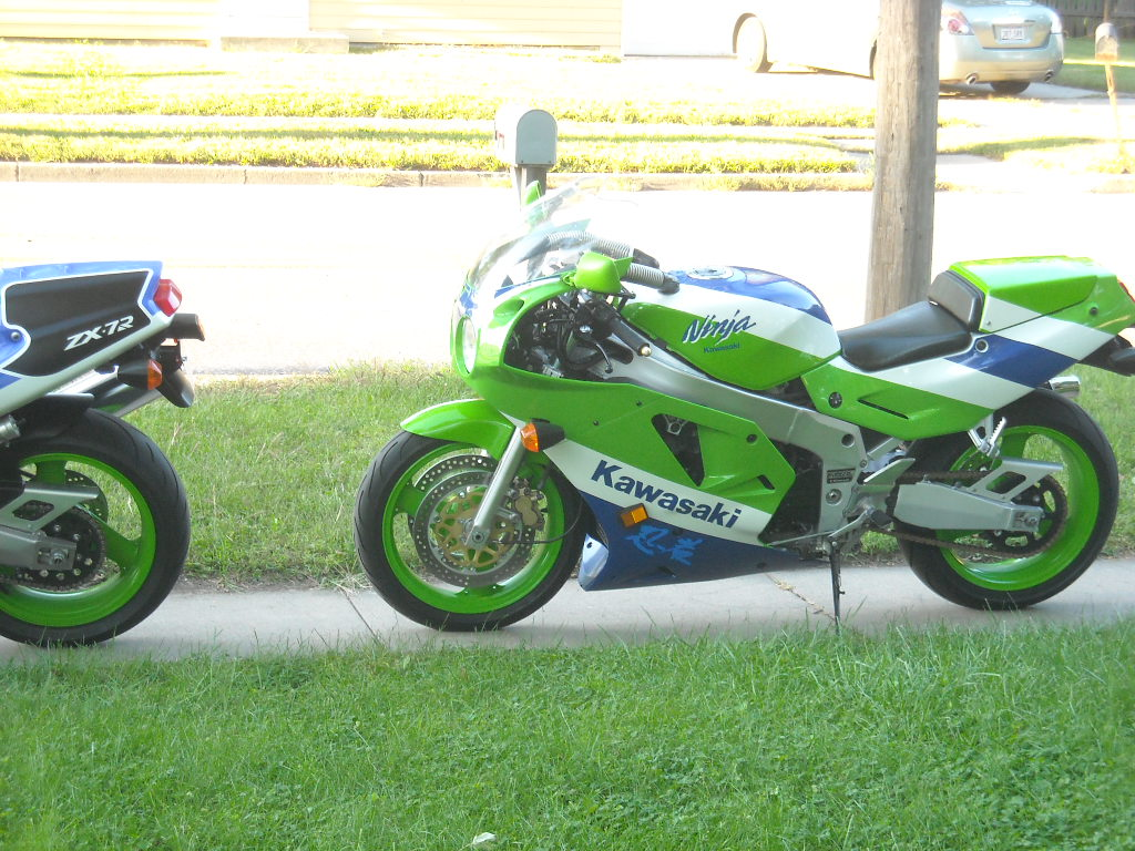 1990  Kawasaki ZX zx-7 picture, mods, upgrades