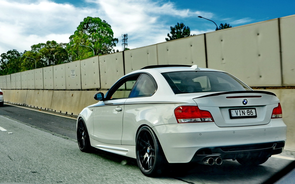 2009 Bmw 135i Pictures Mods Upgrades Wallpaper